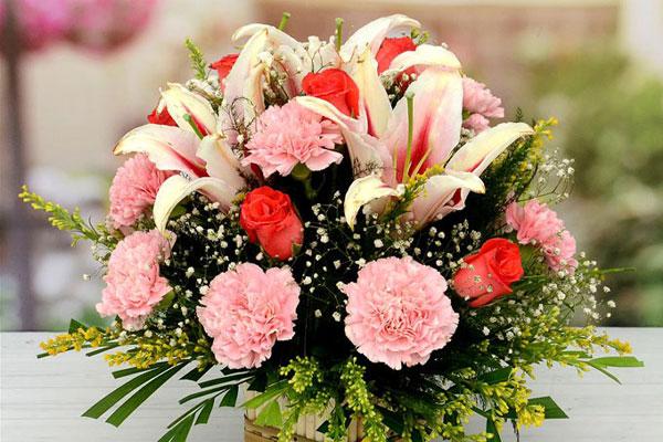 گل فروشی آنلاین در سعادت آباد